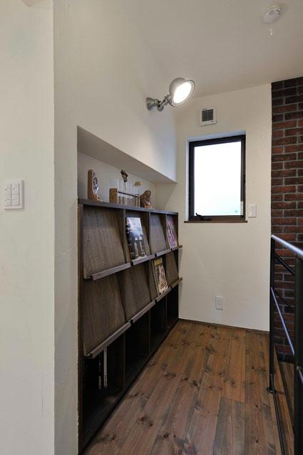 木製の書棚