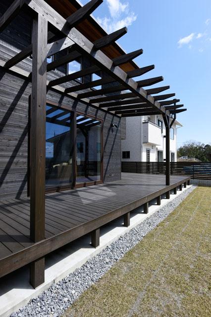 温熱環境と省エネを考え抜いた快適仕様の家 デッキ