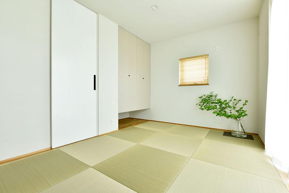 中2階のある螺旋状の家_和室